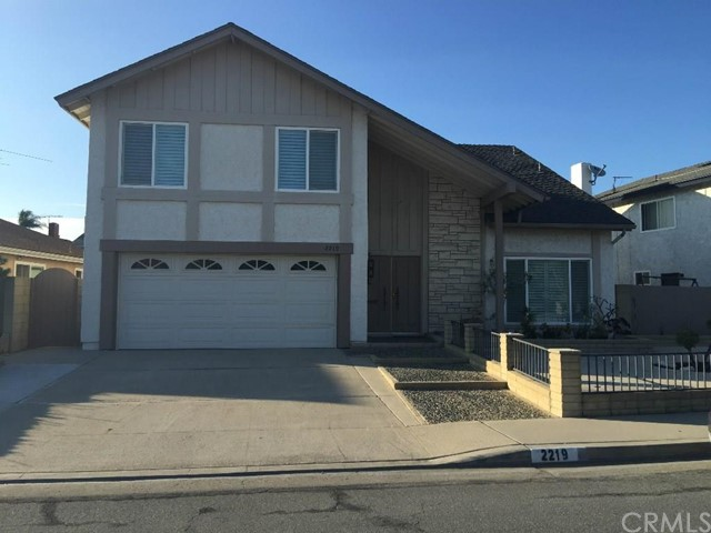 Single Family Home for Sale at 2219 East Nyon St 2219 Nyon Anaheim, California 92806 United States