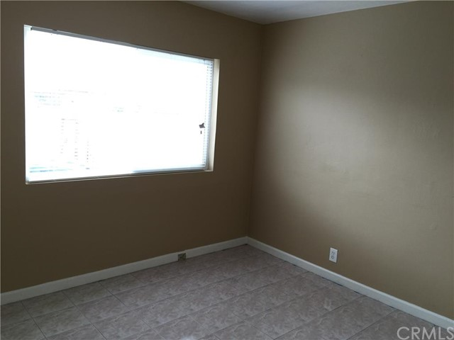 Additional photo for property listing at 134 Cypress Street E  Compton, California 90220 United States