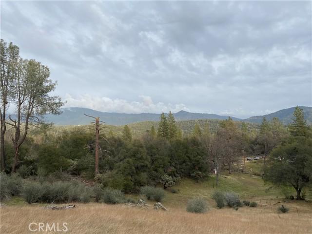 4907 Stumpfield Mountain Road, Mariposa CA: http://media.crmls.org/medias/3fb27a24-a3a7-485d-93dd-5d9ae8c69068.jpg
