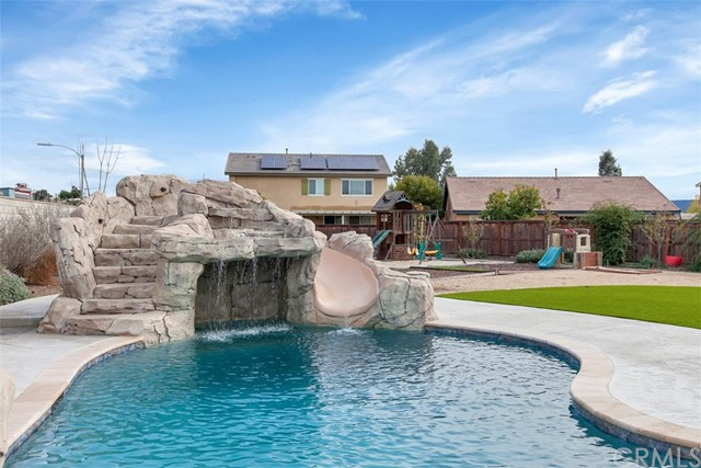 Photo of 32414 Oak Hollow Court, Wildomar, CA 92595
