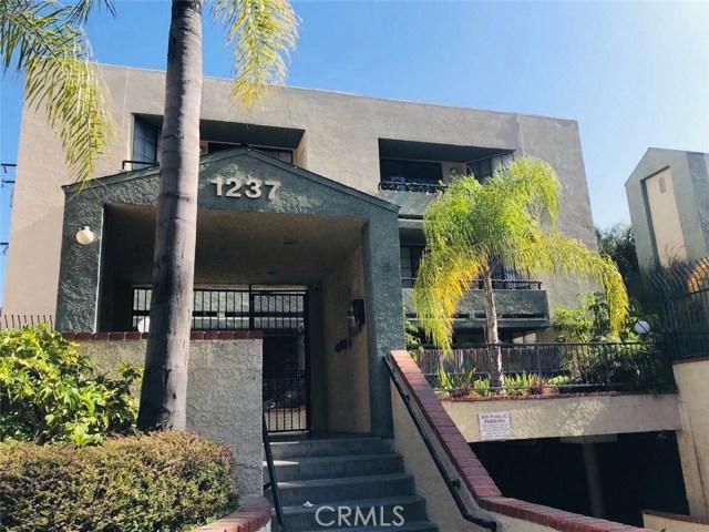 1237 E 6th Street, Long Beach CA: http://media.crmls.org/medias/3fe16ca3-45d9-4858-8b8f-eea1c052bbba.jpg