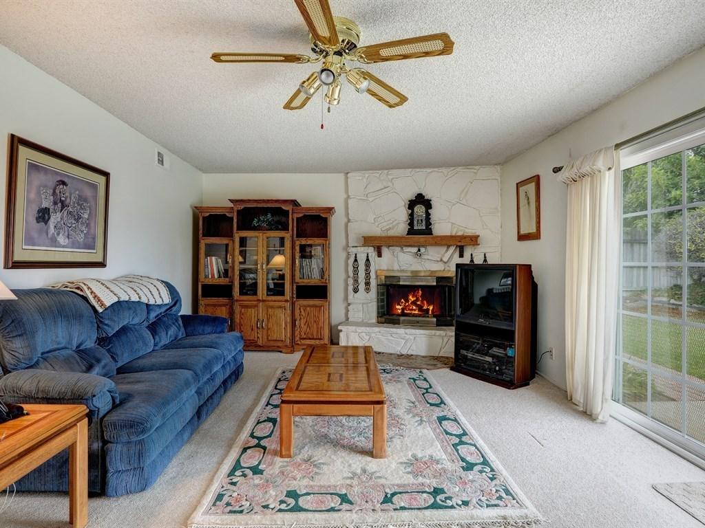 581 Doverlee Drive, Santa Maria CA: http://media.crmls.org/medias/3fed4835-c34d-4d98-9ef8-6ce997ed86fe.jpg