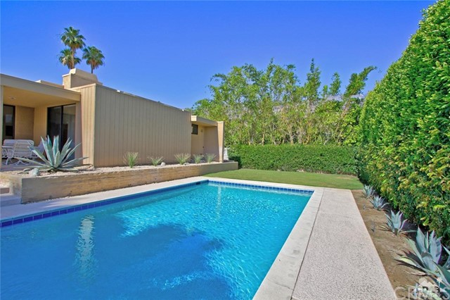 1350 Marion Way, Palm Springs CA: http://media.crmls.org/medias/3fed5cb5-c652-47cb-b5bf-7f10113c7372.jpg