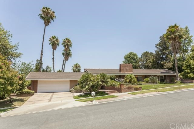 Single Family Home for Sale at 1225 Via Vallarta Riverside, California 92506 United States