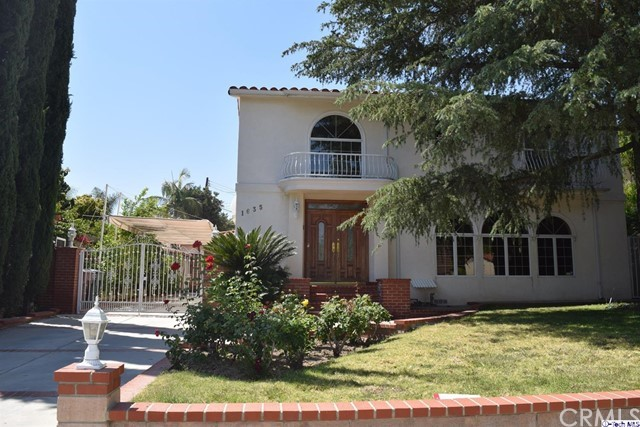 Single Family Home for Rent at 1635 Cleveland Road Glendale, California 91202 United States