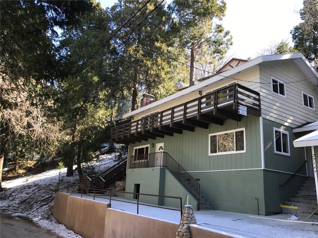 Casa Unifamiliar por un Venta en 29149 Arrowhead Drive Cedar Glen, California 92352 Estados Unidos