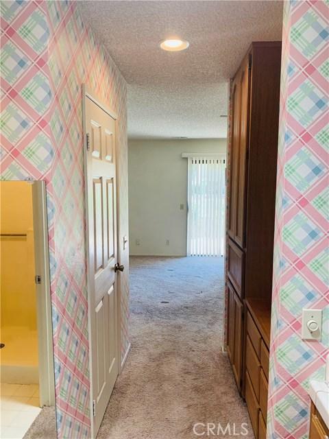 11591 Ash Street, Apple Valley CA: http://media.crmls.org/medias/4004dc99-e26a-4c33-93cd-870c86879cb3.jpg