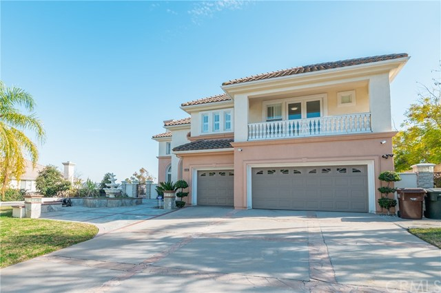 房产卖价 : $229.00万/¥1,576万