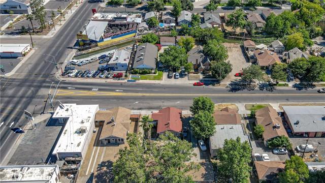 1625 E Olive Avenue, Fresno CA: http://media.crmls.org/medias/40058573-3225-4901-95fa-3c93206e827e.jpg