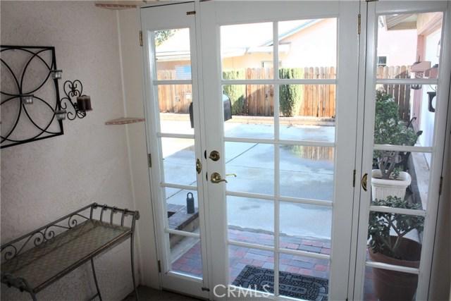 5980 Kitty Hawk Drive, Riverside CA: http://media.crmls.org/medias/400cd0f8-89db-478c-a0f1-856e60120b61.jpg