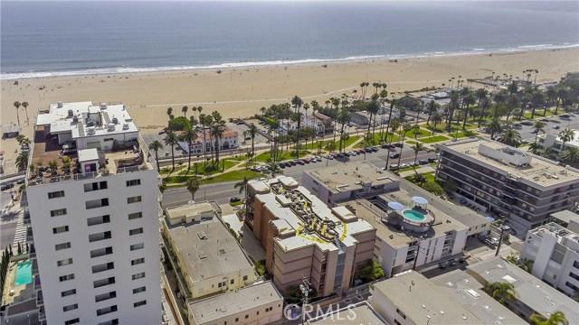 1045 Ocean Avenue, Santa Monica CA: http://media.crmls.org/medias/400e1d18-be65-4552-ac6d-1f6fc7c94d91.jpg