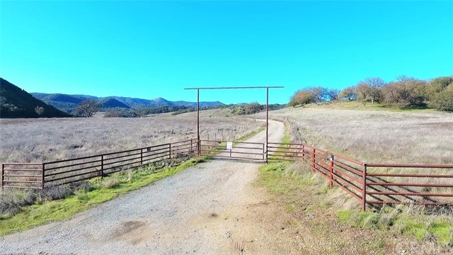 Single Family for Sale at 71600 Interlake Road Bradley, California 93426 United States