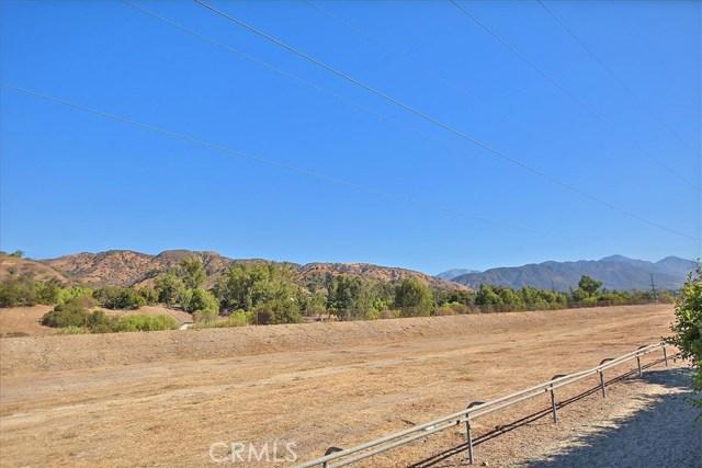 579 Canyon Hill Road, San Dimas CA: http://media.crmls.org/medias/402413f0-b52e-4083-8fdd-d14aa2764826.jpg