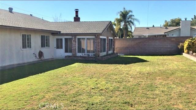 995 W 15th Street, Upland CA: http://media.crmls.org/medias/40392500-9d5a-4d63-9d47-e1cb7f964ade.jpg