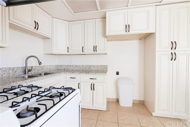 Detail Gallery Image 1 of 24 For 17425 Arrow Bld #10,  Fontana,  CA 92335 - 2 Beds   1 Baths