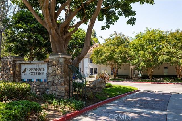 239 Cinnamon Teal, Aliso Viejo CA: http://media.crmls.org/medias/40453b2d-8af2-400d-9f7c-cc1d23c20550.jpg