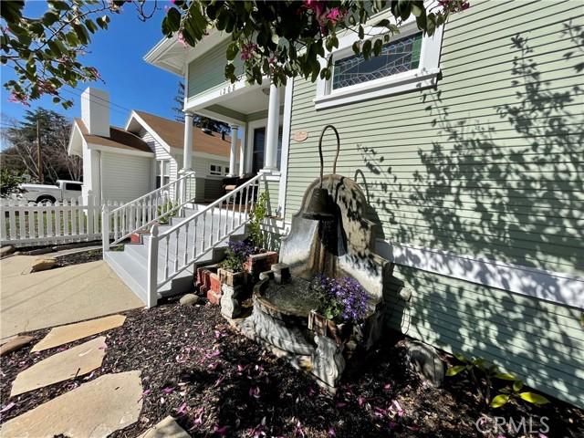 1208 Pismo Street, San Luis Obispo CA: http://media.crmls.org/medias/40514dba-cbb6-4bad-94cd-8b16e079f43e.jpg