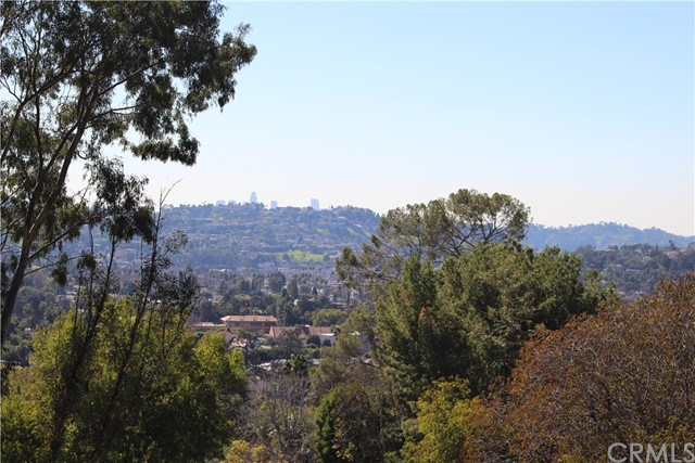 5342 N Highland View Place, Eagle Rock CA: http://media.crmls.org/medias/40774618-dfb4-4024-8b09-896caacd2b95.jpg