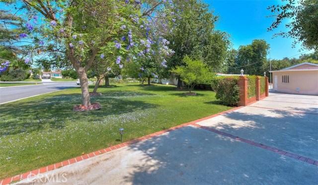 3670 Lombardy Road, Pasadena CA: http://media.crmls.org/medias/4077ef9b-5db4-42d1-b236-be586eede0d8.jpg
