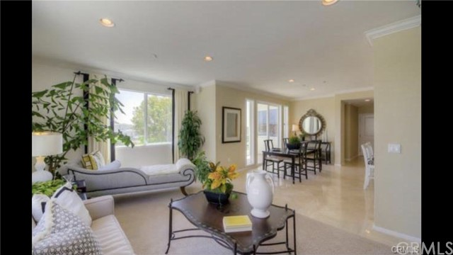 Condominium for Rent at 13019 Park Pl Hawthorne, California 90250 United States
