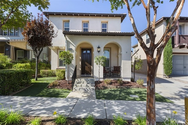 Detail Gallery Image 1 of 1 For 40123 Pasadena Dr, Temecula, CA 92591 - 4 Beds | 2/1 Baths