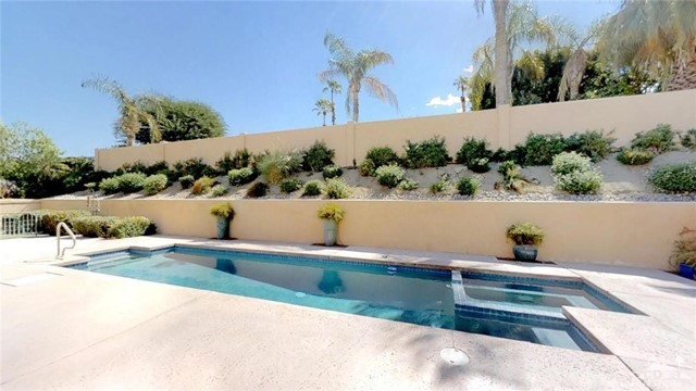 73181 Skyward Way, Palm Desert CA: http://media.crmls.org/medias/409cf270-abb9-4193-9dfe-be4c925bb702.jpg