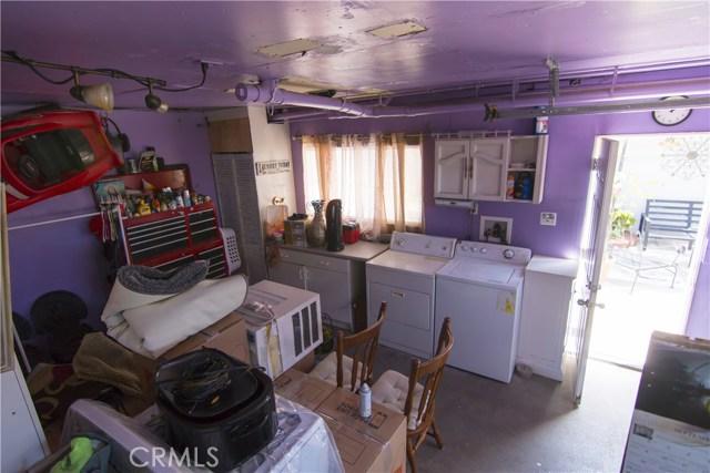 621 W PLUM Street, Compton CA: http://media.crmls.org/medias/40ae0ea2-7aae-419a-ae1d-2b4a3057062e.jpg