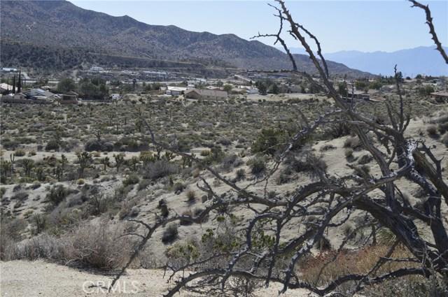 7400 Fairway Drive, Yucca Valley CA: http://media.crmls.org/medias/40aed3de-ebdd-4830-881e-3f5a0e3670a6.jpg