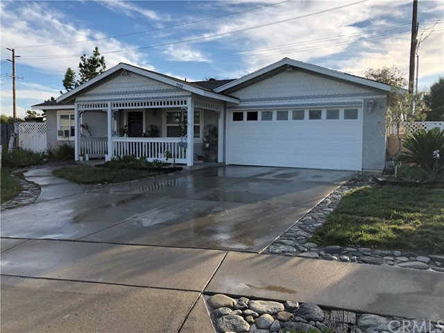 7500 Henbane Street, Rancho Cucamonga CA: http://media.crmls.org/medias/40bd808c-ef7e-4330-b8f4-53fd1e55556c.jpg