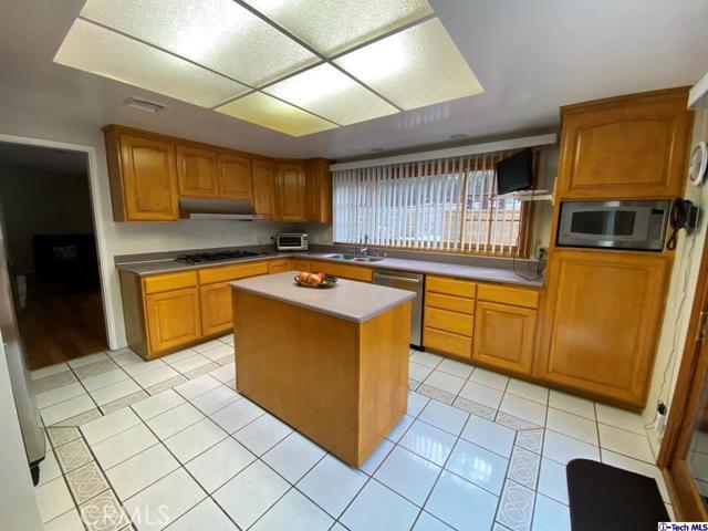 1524 Colina Drive, Glendale CA: http://media.crmls.org/medias/40c5a9ed-89b2-4578-a0d7-66531222a9d2.jpg