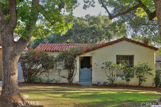 Single Family Home for Sale at 1816 Oakwood Avenue 1816 Oakwood Avenue Glendale, California 91208 United States