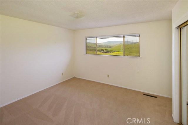 1250 Hillcrest Drive, Morro Bay CA: http://media.crmls.org/medias/40de3e9a-4ca9-494c-9837-27bf1e69b433.jpg
