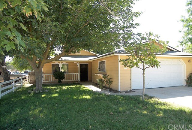 Single Family Home for Sale at 190 4th Street N Shandon, California 93461 United States