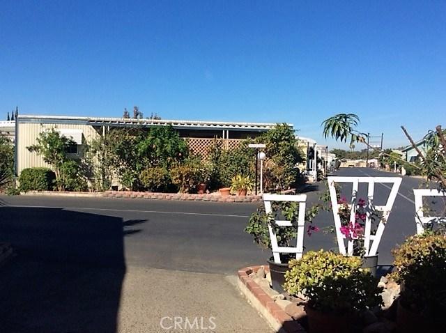 432 S Harbor Boulevard, Santa Ana CA: http://media.crmls.org/medias/40f48986-4607-4889-a9e7-824a452ae980.jpg
