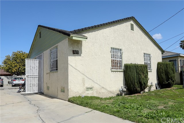Detail Gallery Image 1 of 23 For 905 W Maple St, Compton,  CA 90220 - 3 Beds | 1 Baths
