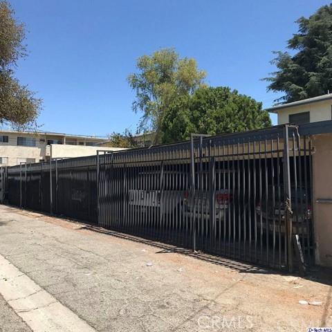 18127 Roscoe Boulevard, Northridge CA: http://media.crmls.org/medias/4103b7bd-f1f5-4d17-954a-539f4e168181.jpg