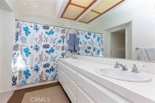 572 Brittany Drive, Corona CA: http://media.crmls.org/medias/4105482e-6042-41cc-8aaf-39e8a065d909.jpg