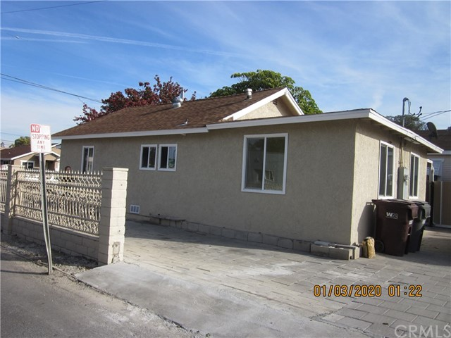 1050 W Walnut, Santa Ana CA: http://media.crmls.org/medias/4108cd8a-0a1a-4b2f-981a-c2cd7b865c84.jpg