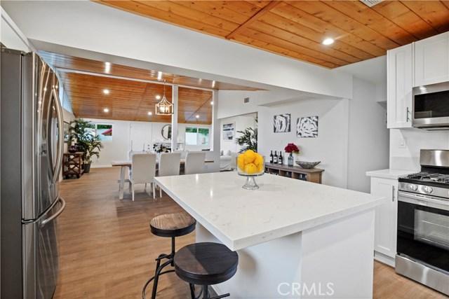 16321 Vincennes Street, North Hills CA: http://media.crmls.org/medias/41150d25-fd6e-441d-bf36-05e2bf6c7b14.jpg