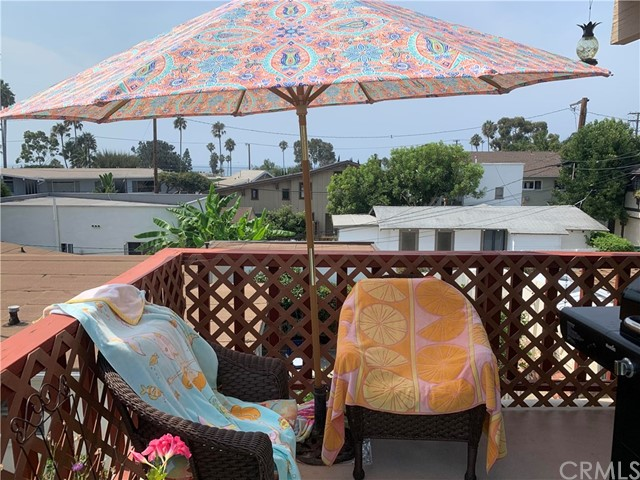 332 Poplar Street, Laguna Beach CA: http://media.crmls.org/medias/411bf0e3-f785-4c86-84b6-a897ea3ab332.jpg