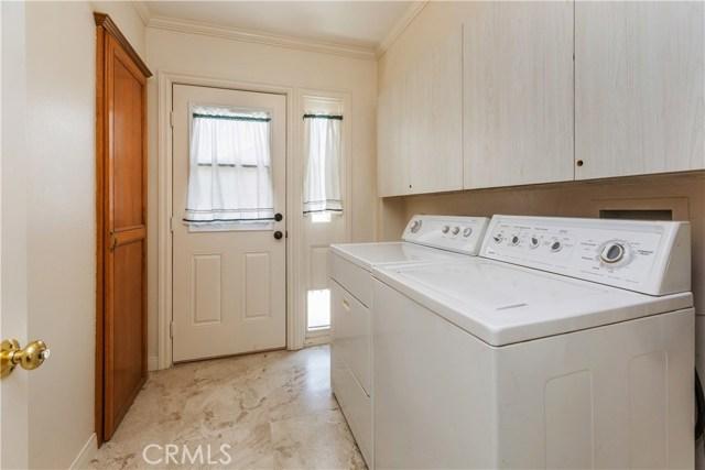 3601 Linwood Place, Riverside CA: http://media.crmls.org/medias/4121a96b-5eb4-46f9-8de3-6b71fae8e1e8.jpg