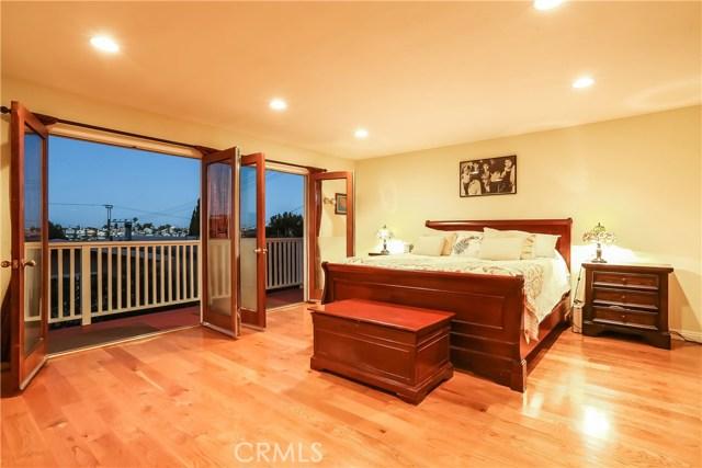1802 Harper Avenue, Redondo Beach CA: http://media.crmls.org/medias/4130069d-80b7-49b4-8b32-31dad13f4f10.jpg