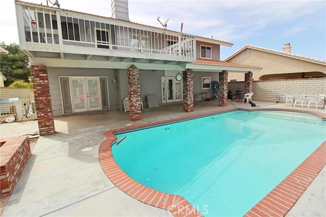 13385 Alta Vista Drive, Victorville CA: http://media.crmls.org/medias/413403cb-148d-4779-b705-61f9afc48c48.jpg