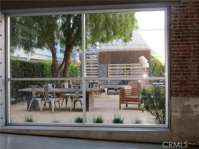527 S Molino Street, Los Angeles CA: http://media.crmls.org/medias/415d2912-1a28-42c6-bc32-23cbcc49e2ef.jpg