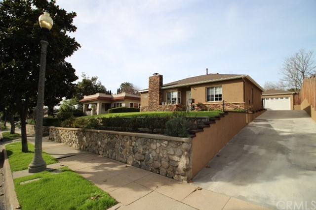 1287 El Molino N Avenue, Pasadena CA: http://media.crmls.org/medias/415e7244-941d-4335-a41a-e2e411cca057.jpg
