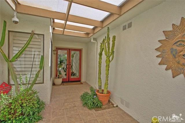 140 Avenida Las Palmas, Rancho Mirage CA: http://media.crmls.org/medias/416f441e-3956-4a53-8f2a-475f55a10fc0.jpg