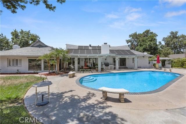 7380 Whitegate Avenue, Riverside CA: http://media.crmls.org/medias/41821f06-bf97-4837-a096-1aa2a9c3d19f.jpg