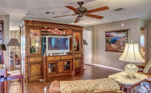 73450 Country Club Drive, Palm Desert CA: http://media.crmls.org/medias/4198db2f-eee4-4a58-a556-0f56a55dcacb.jpg