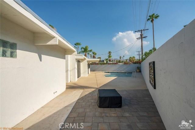 315 Farrell, Palm Springs CA: http://media.crmls.org/medias/419a2b90-04f3-4359-b314-e652c6d1c1f8.jpg