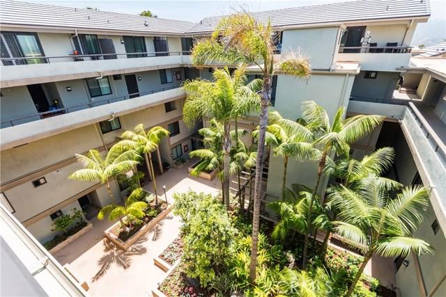 1007 S Catalina Avenue, Redondo Beach CA: http://media.crmls.org/medias/419af60f-dc63-4c3c-a633-adbcf7834940.jpg